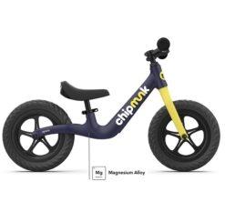 Djecji bicikl bez pedala ChipMunk tamno plavi aluminij magnezij